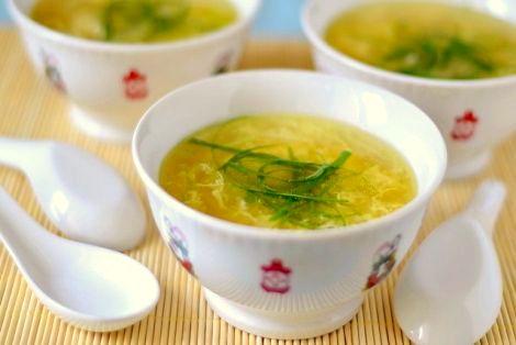 Kantońska Zupa z Jajkiem