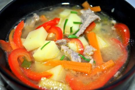 Zupa z Wieprzowiną i Ziemniakami