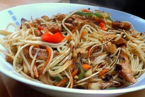 Kurczak Chow Mein