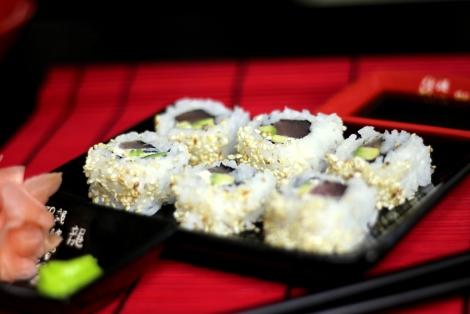 Sushi Uramaki z Łososiem
