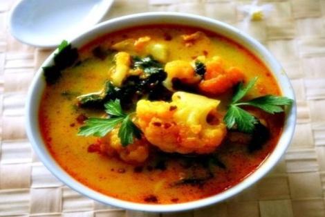 Curry z Kalafiora i Szpinaku
