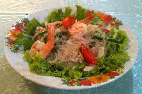 Tajska Sałatka z Makaronu Sojowego