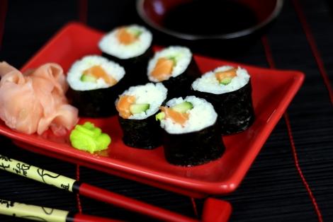 Maki Sushi z Łososiem