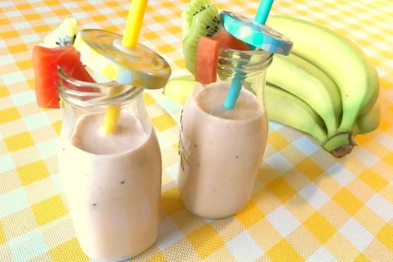Koktajl z Papają i Bananem w Mleku Kokosowym